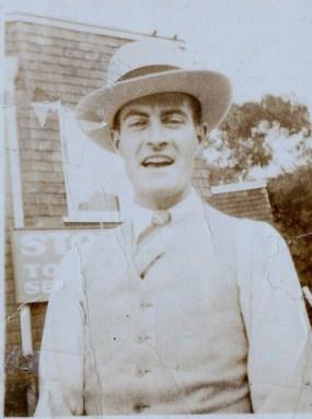 man_in_1920s